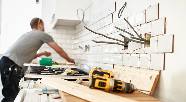 Should You Fix Your House Up or Sell Now? | MyKCM